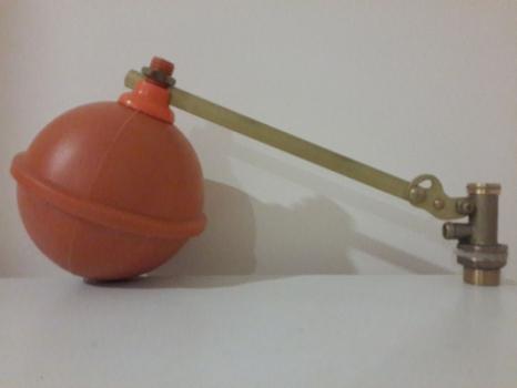 Поплавок на бочку для подачи воды