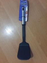 Лопатка пластмассовая для тефлоновой посуды (А)