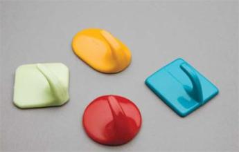 Крючки пластмассовые на самоклейке маленькие в упаковке 25шт.